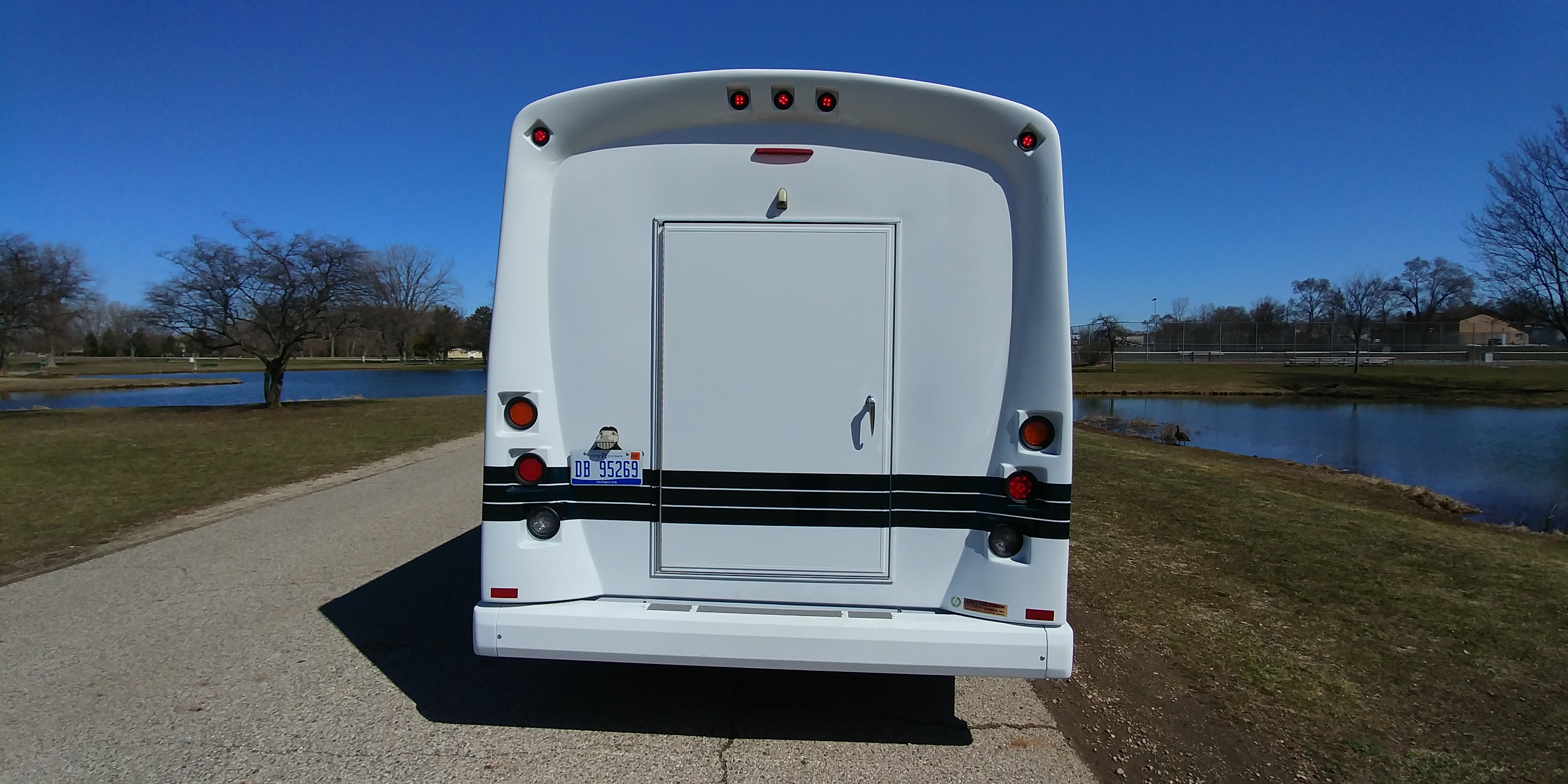 18 Passenger Luxury Limo Bus Rear