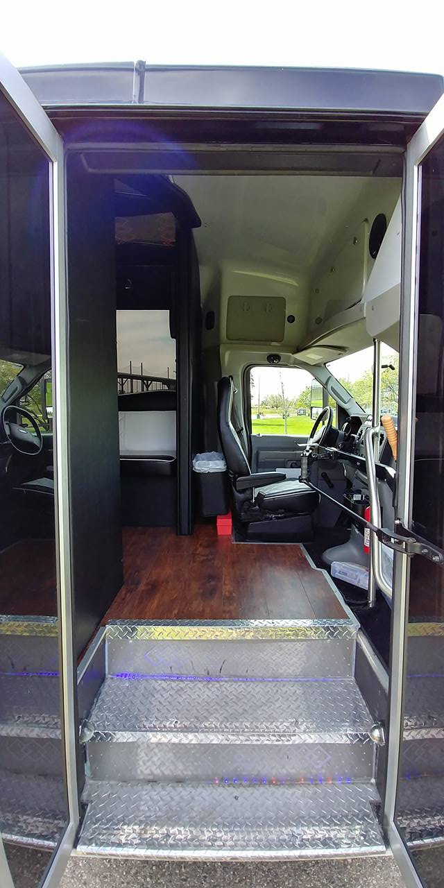 21 Passenger Luxury Limo Bus Entryway