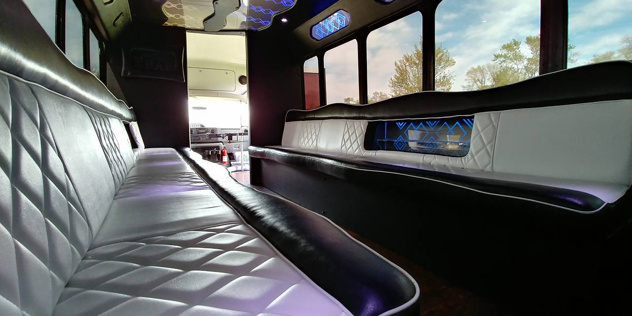 21 Passenger Luxury Limo Bus Interior 4