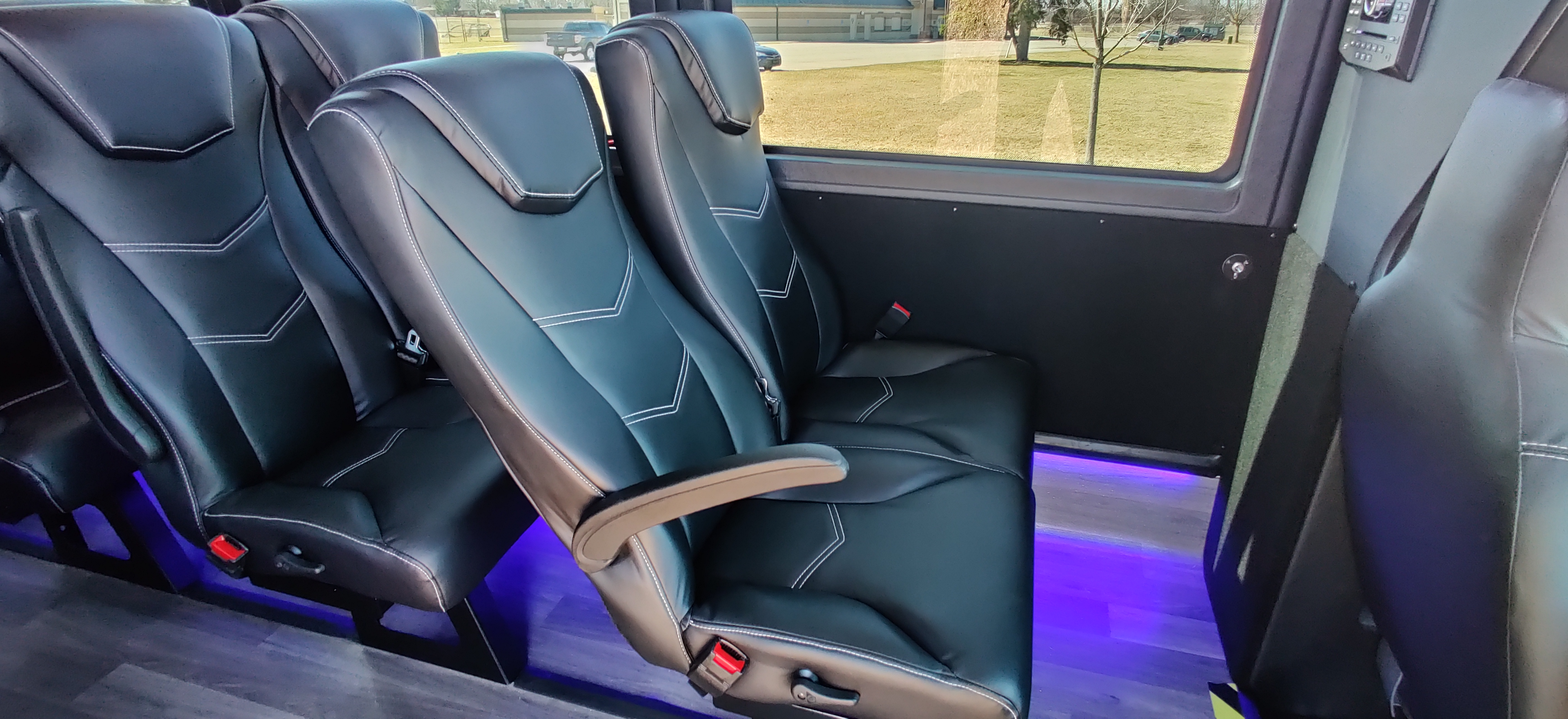 23 Passenger Executive Shuttle Bus Seating Comfort