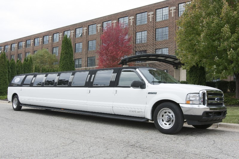 24 Passenger Excursion Exterior