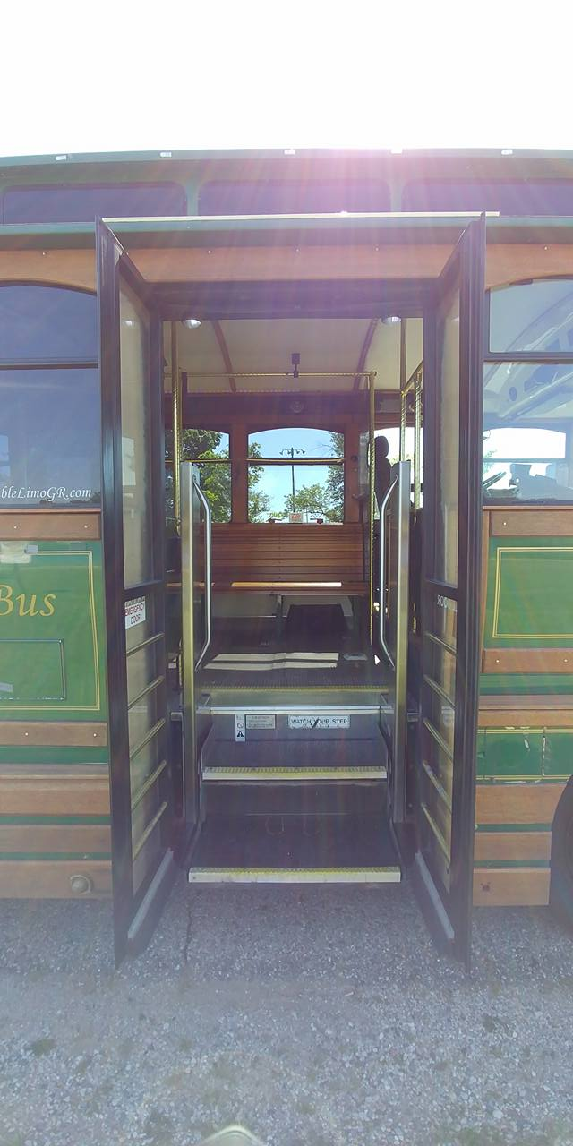 25 Passenger Trolley (#25) Front Entrance