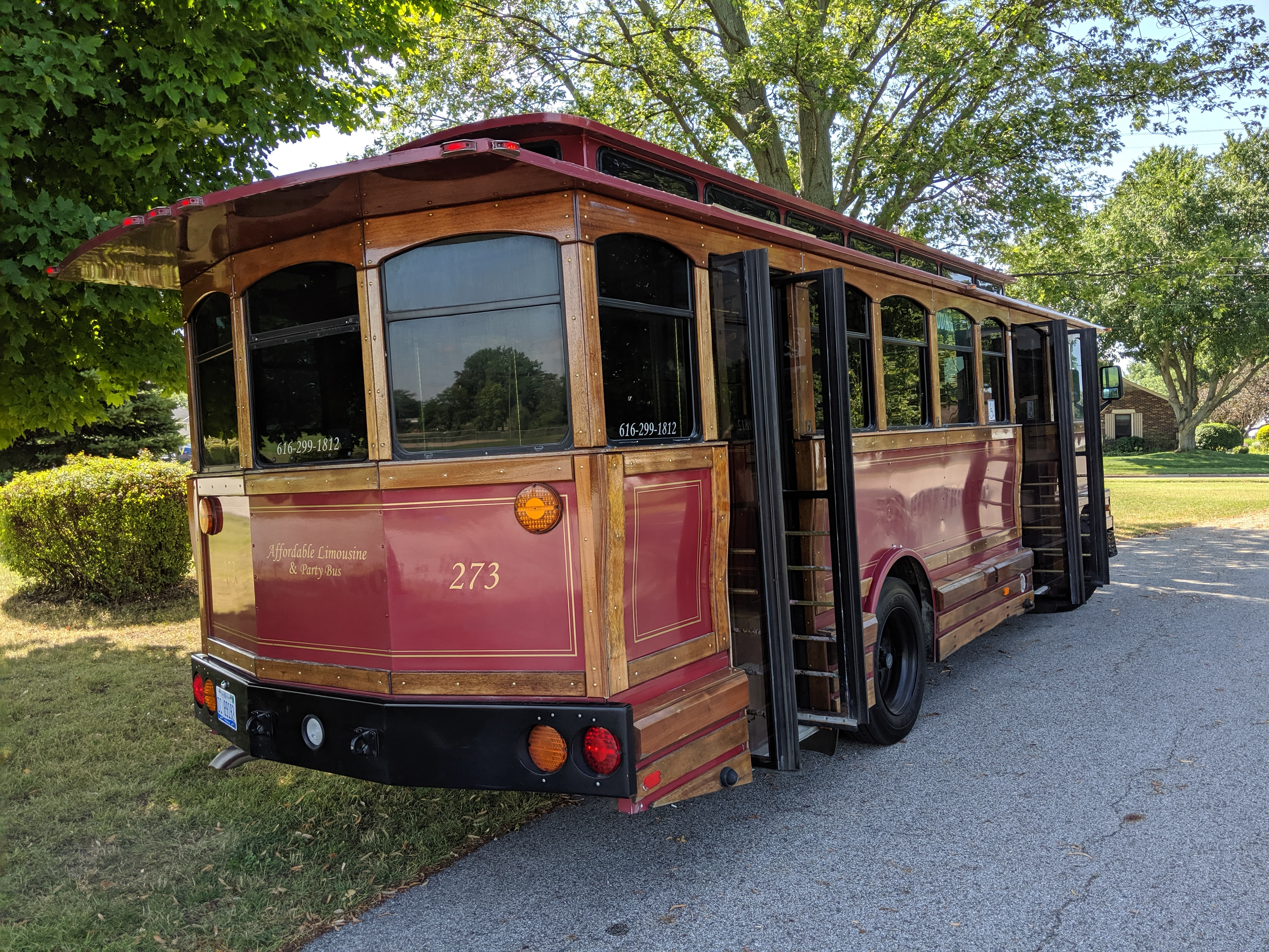 27 Passenger Trolley #27-3 Passenger's Side Rear