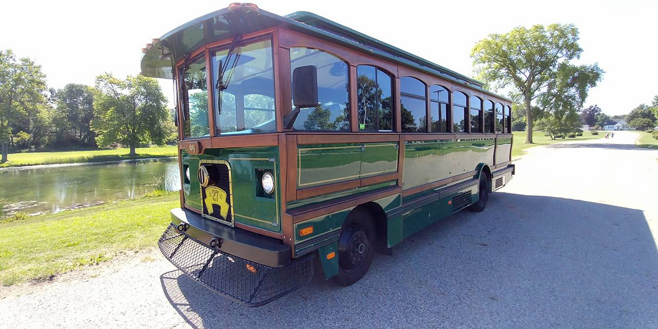 25 Passenger Trolley (#27) Driver's Side Front