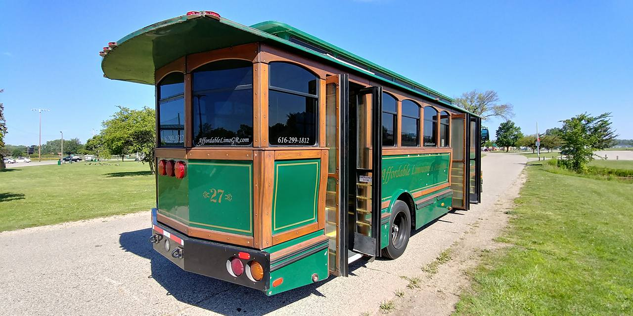 25 Passenger Trolley (#27) Passenger's Side Rear