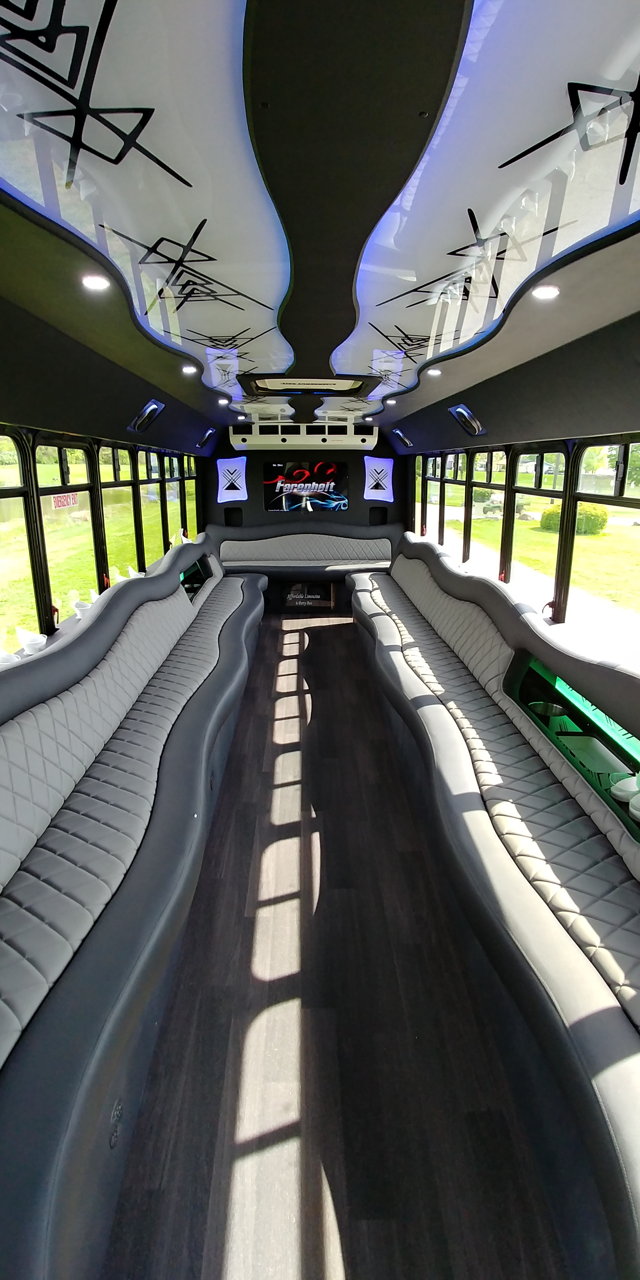 28 Passenger Luxury Limo Bus Interior 3