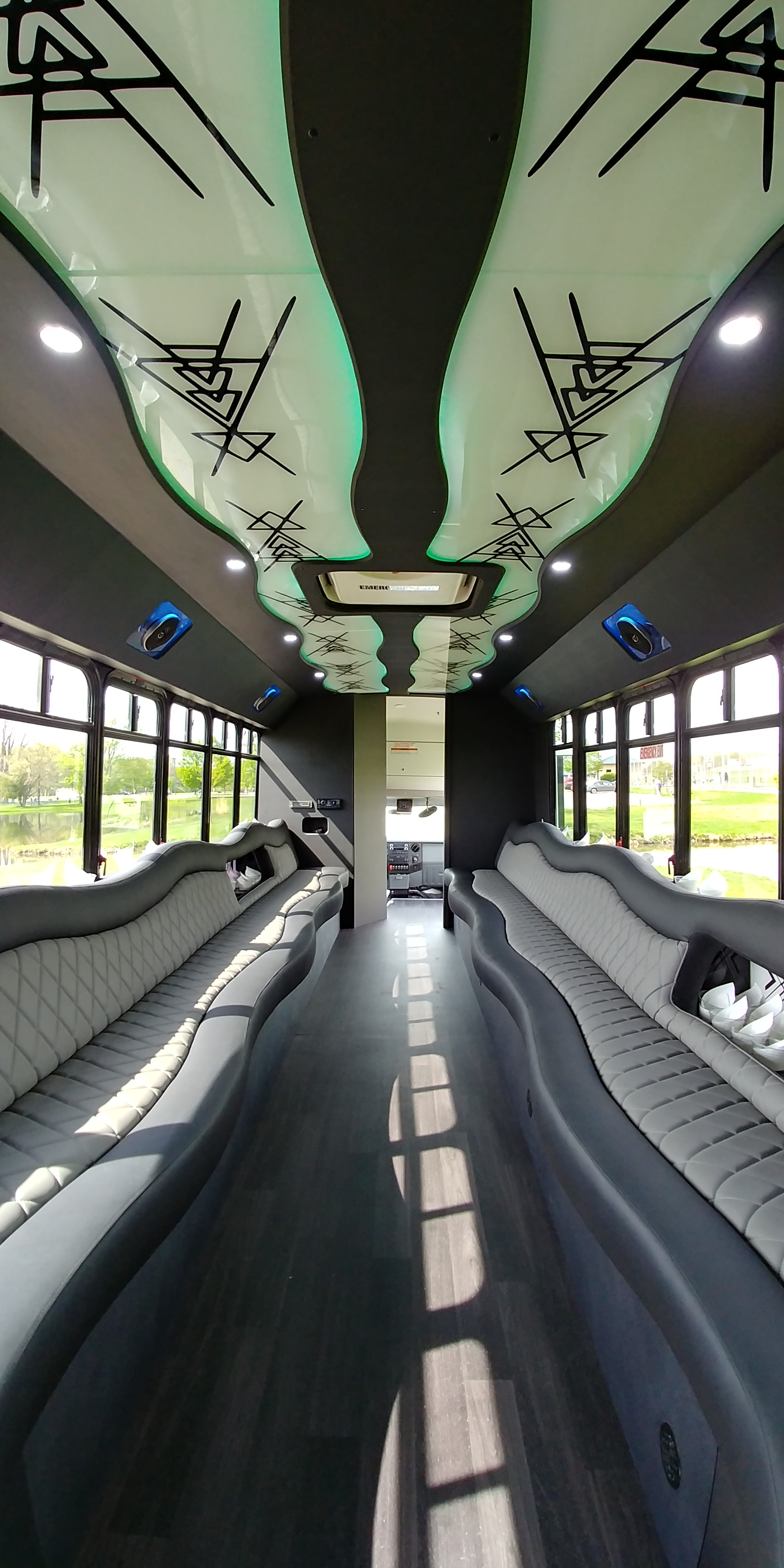 28 Passenger Luxury Limo Bus Interior 8